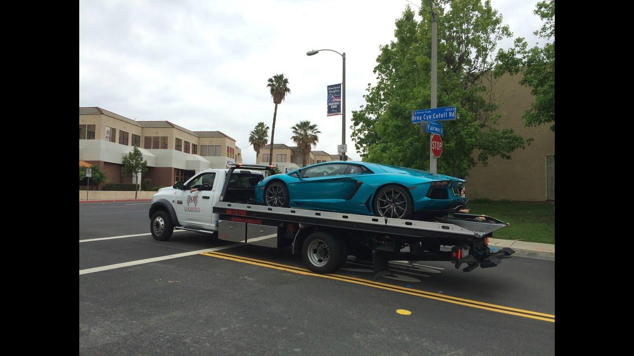 2015 Lamborghini Aventador on a Flatbed Truck! - YouTube