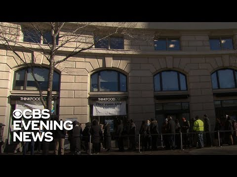 Government workers to miss 2nd paycheck as shutdown drags on – News Updates