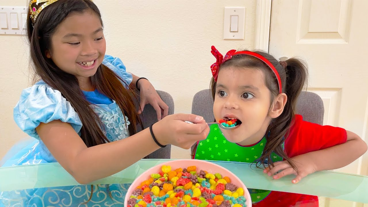Emma Wants to Be a Good Sister for Ellie | Kids Learn to Wash Hands & Clean Up