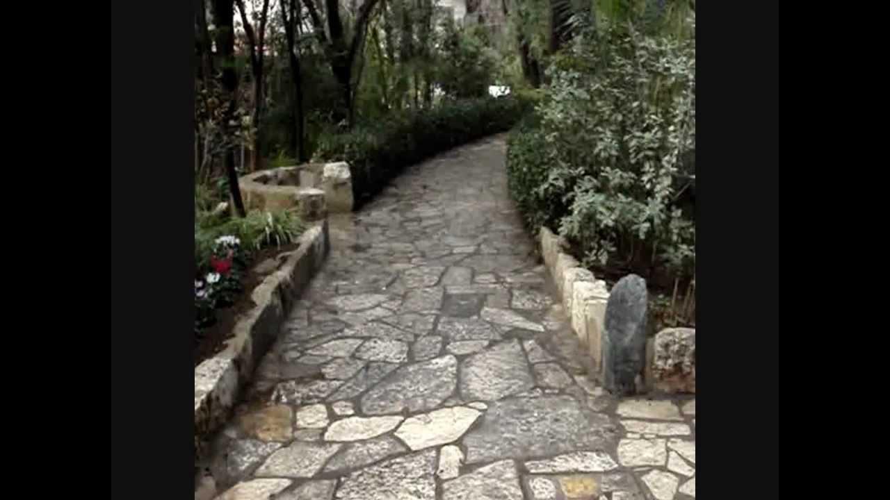Jesusu0027 Crucifixion Site? (A U0027Skullu0027, Garden U0026 Tomb)   YouTube