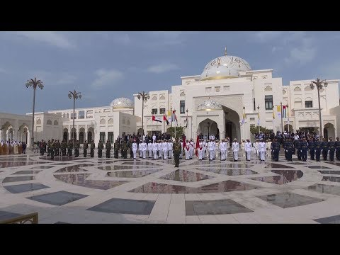 Spectacular reception to the pope in Abu Dhabi Presidential Palace