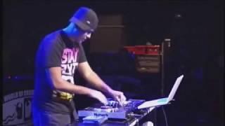 Numark NS7: DJ i-Dee at the 2009 DMC Championship