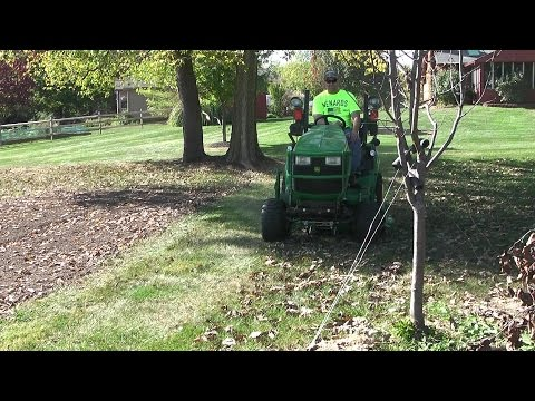John Deere 1025R / 1023E 54D/60D Mulch Kit vs. Leaves