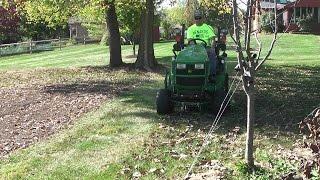 John Deere 1025R / 1023E 54D/60D Mulch Kit vs. Leaves