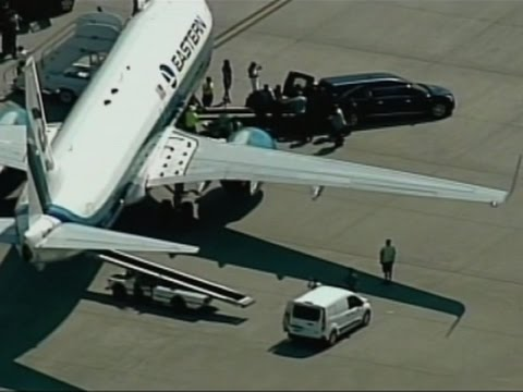 Raw: Muhammad Ali's Body Returned to Louisville