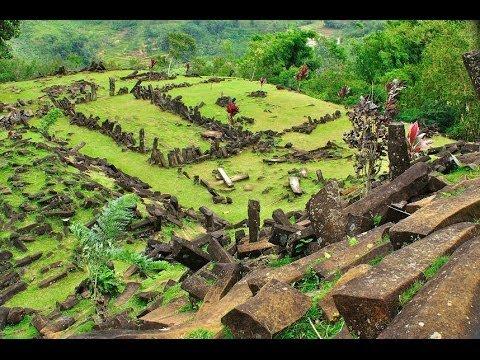 tour gunung padang megalithic site @baraya kebontiwu permai