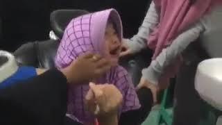 Video Lucuu, kirain anak kecil ini buka jilbab ternyata buka mulut download MP3, 3GP, MP4, WEBM, AVI, FLV Januari 2018