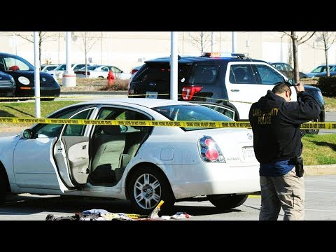 Child Shoots Pregnant Mother