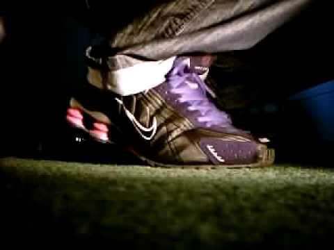 Nike Shox NZ Vs R4
