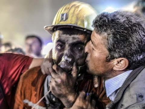 Coal mine collapse kills hundreds and traps many more underground in Turkey