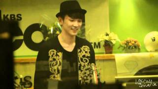 [Fancam] 101004 Key dancing to A(Rainbow) @ Sukira