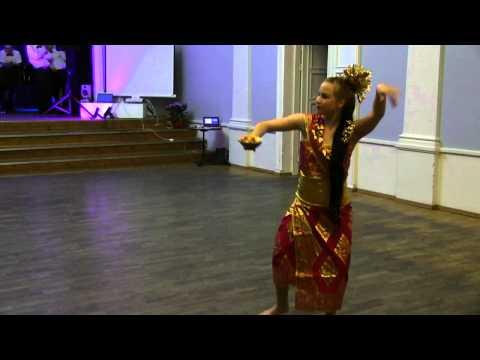 Karolin Poska - Indoneesia tants