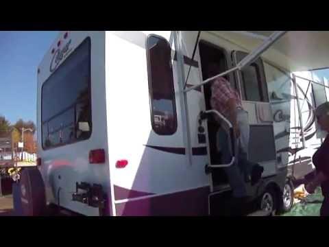 View Inside A 2013 Cougar Keystone Camper