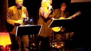 """Trio 054 speelt """"Laat me"""" - tekst Herman Pieter de Boer"""