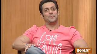Watch Salman sarcastically answering question on SRK in Aap Ki Adalat