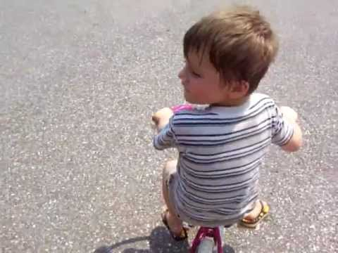 William learns to ride a bike