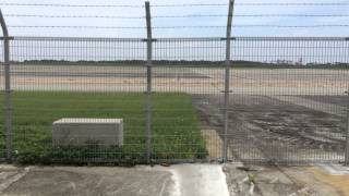 タッチアンドゴーでも有名な下地空港。 そしてドラマグッドラックでも撮...