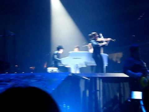 Fly With Me-Jonas Brothers Turin, Italy November 2009