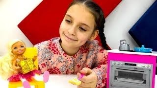 Леди Баг учит Челси гимнастике - Видео для девочек