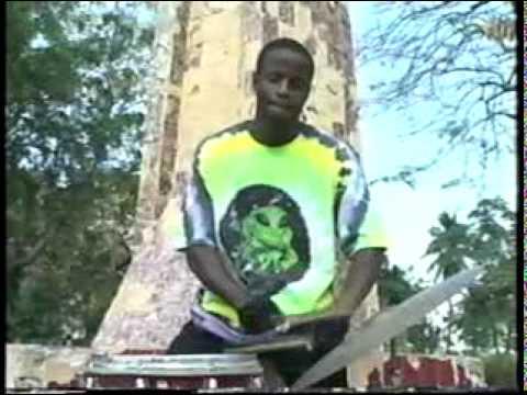 Bobech Bitasyon - Poze W Ti Papa ( Kanaval 2003 )