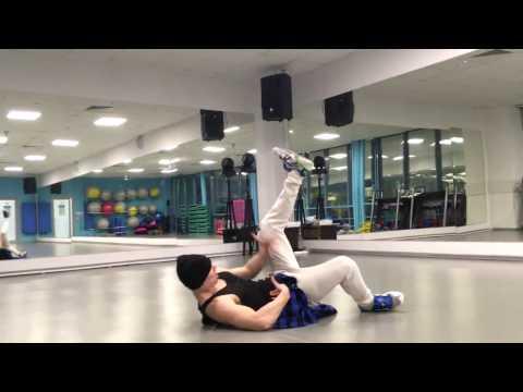 клип на танец артиста