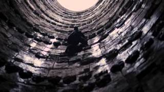 The Dark Knight Rises - Bruce climbs out of the pit