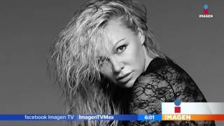 A sus casi 50 años, Pamela Anderson sigue modelando