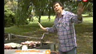 Ariel a la Parrilla   T2 C15   1 de 3   Asado de Tira   Asado Chacarero   Portobelos Rellenos   Papas Risole   Ensalada de rucula, tomates y burrata