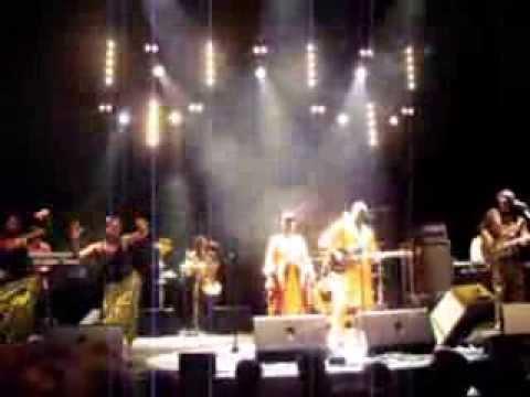 Amadou et Mariam ~ Concert au Métaphone le 27 sept.  2013