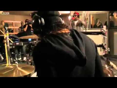 Labrinth ft. Tinie Tempah - Earthquake, Live @ BBC Live Lounge!
