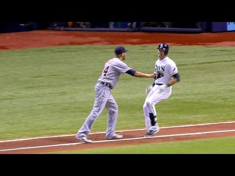 Longoria refuses to let Price tag him out