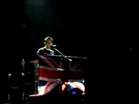 Linkin Park (Mike Shinoda) - Umbrella, Live Cover (Official)
