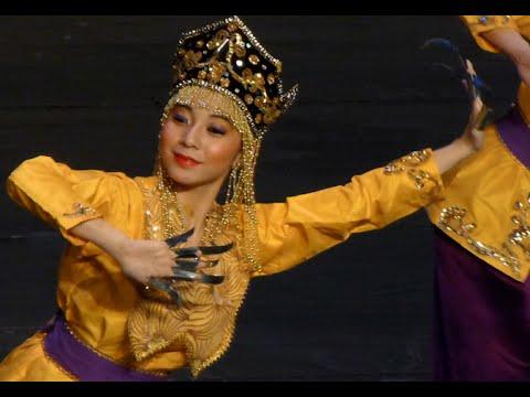 KESUMA Dance Showcase 2014 - Igal Tabawan (7)