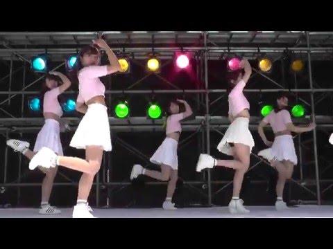 ピンクのトップスと白いスカートが可愛い、女子大生のKPOPカバーダンス   「Heart Attack(심쿵해) - AOA」