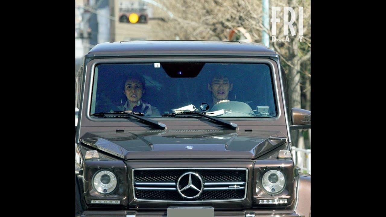 松嶋菜々子&反町隆史夫妻 愛車で娘を送迎する相変わらずの夫婦仲 - YouTube