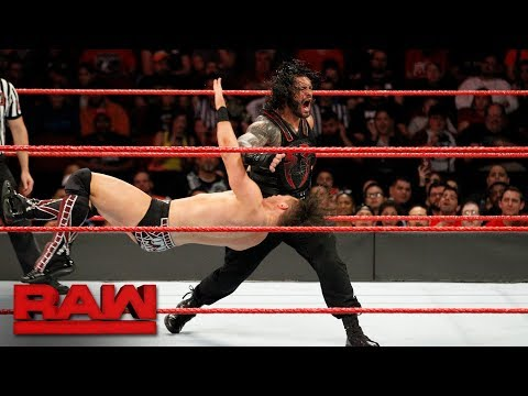 Roman Reigns wins the Intercontinental Title to become a Grand Slam Champion: Raw, Nov. 20, 2017