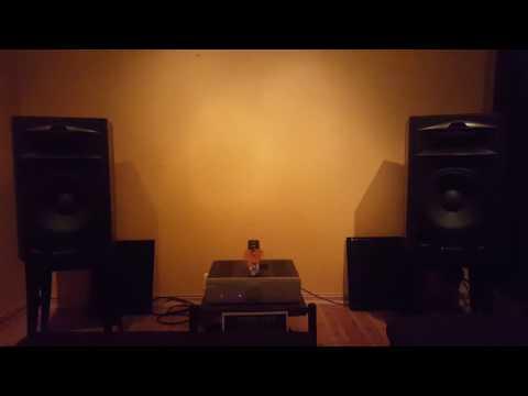 JBL 4429 - Musical Fidelity M6si
