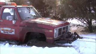 stuck in snow 4x4 wrecker by bsf recovery team