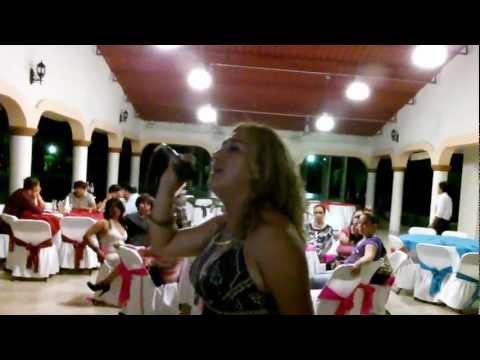 KARAOKE EN CELAYA CANTA IMBECIL. CON WACHAN-MUSICAL.MOV
