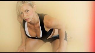 Zuzana Light - ZWOW # 25 Time Challenge Butt Push!