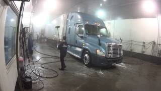 2856 Truck wash at the Bluebeacon. Sony HDR-AZ1