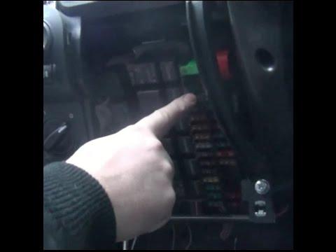 Замена предохранителя ближнего света фар левого на ВАЗ - Lada Granta