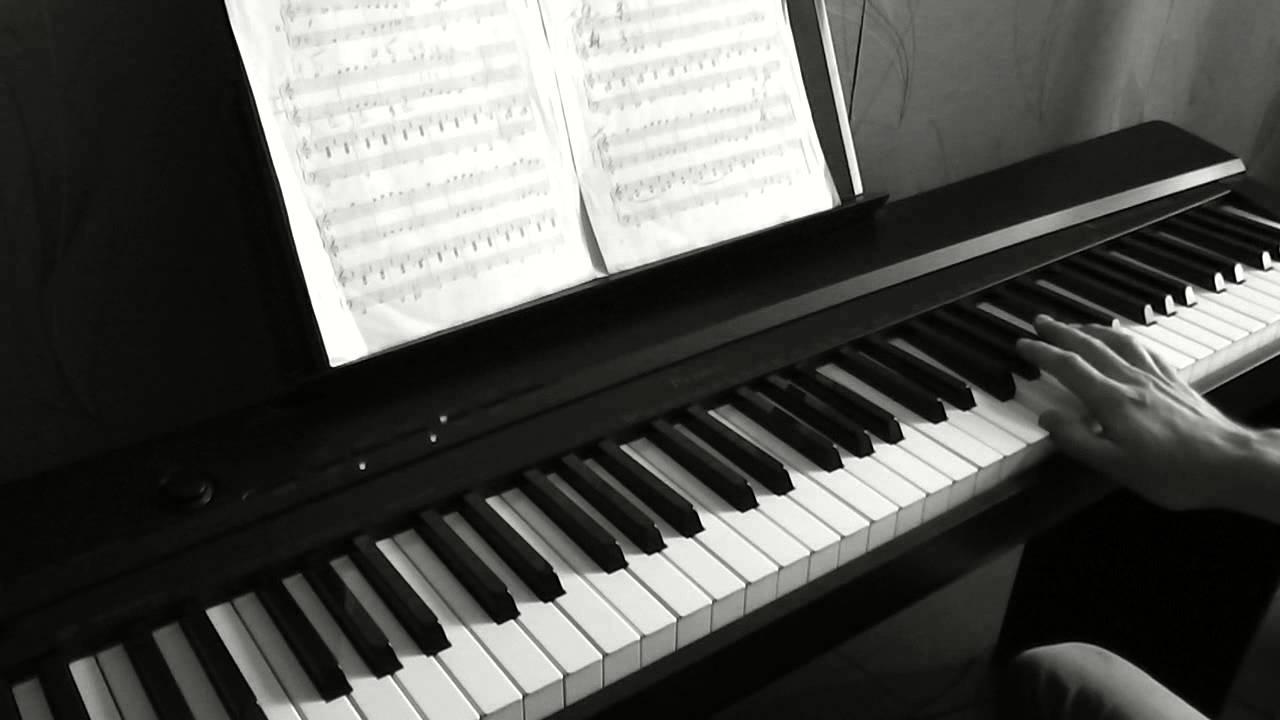 Каком фильме играет пианино