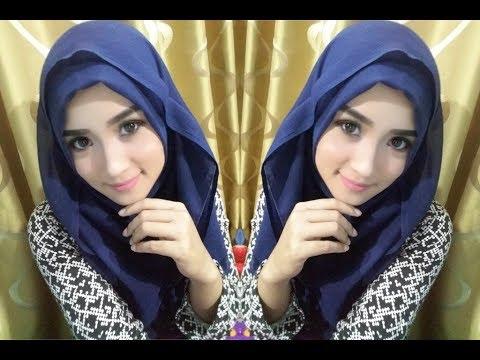 Halooo.... buat kalian yg minim hijab pasmina, dan kebanyakan hijab segi empat, tapi pengen pakai hijab model pasmina ?.