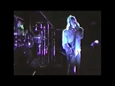 R.E.M. - November 10 1984 - Concert Garden, Yokohama City University, Yokohama, Japan