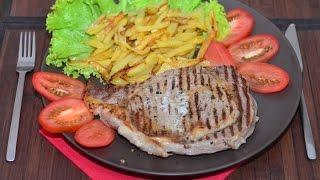 Сочный стейк с жареной картошечкой