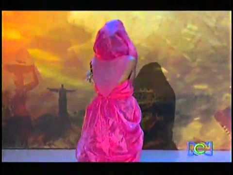 Juriyi Şaşırtan Yarışmacı  Shakira Taklidi