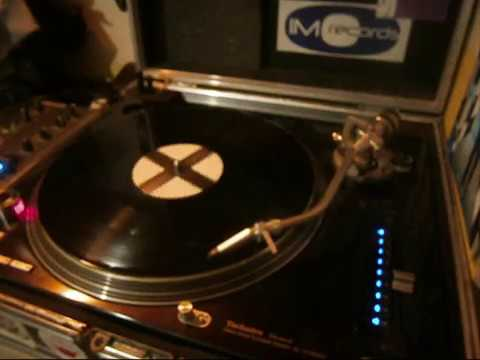 X Project – Walking In The Air ( 1992 rave breakbeat )
