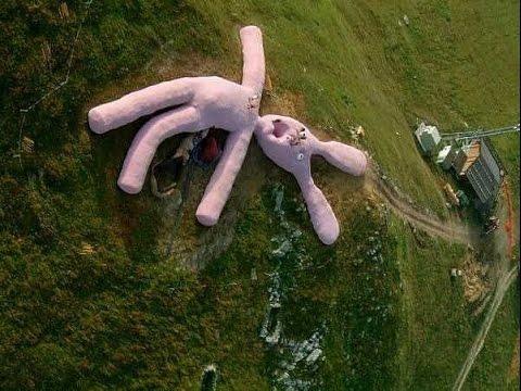 【衝撃】全長60mを超える巨大なウサギのぬいぐるみ Youtube