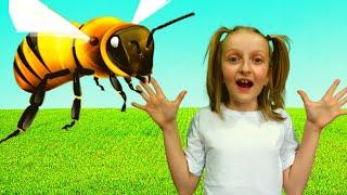 Tawaki kids pretend play with animals\فيديو للأطفال